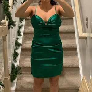Gorgeous Green cocktail dress!